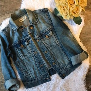 Madewell The Jean Jacket- Classic & Fitted